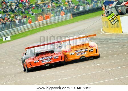 Porsche battle