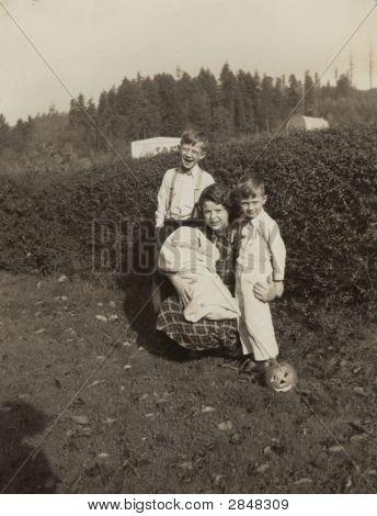 Vintage 1933 Farm Photo