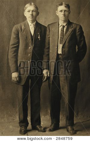 Vintage 1907 Photo