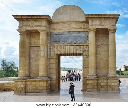 Gate Of The Roman Bridge In C�rdoba