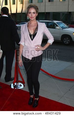 LOS ANGELES - JUL 24:  Ashley Jones arrives at the