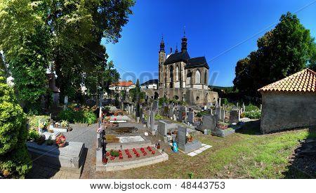 Kutna Hora Sedlec Ossuary church churchyard