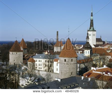 Old Tallinn, Kind From Toompea