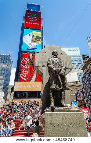 Father Duffy Monument, Times Square, New York