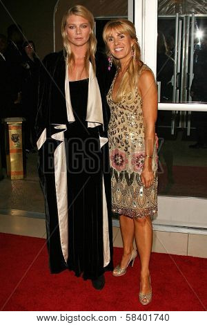 LOS ANGELES - NOVEMBER 2: Peta Wilson and Julia Verdin at the 2005 BAFTA/LA Cunard Britannia Awards at Hyatt Regency Century Plaza Hotel on November 2, 2006 in Century City, CA.