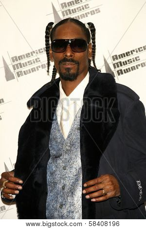 LOS ANGELES - NOVEMBER 21: Snoop Dogg in the press room at the 34th Annual American Music Awards at Shrine Auditorium on November 21, 2006 in Los Angeles, CA.