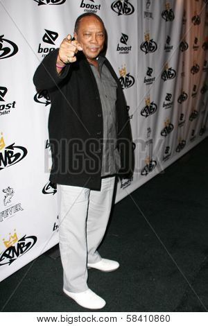 LOS ANGELES - OCTOBER 10: Quincy Jones at the birthday party for Nick Cannon and the opening of his flagship store for PNB Nation on October 10, 2006 at PNB Nation Store, Los Angeles, CA.