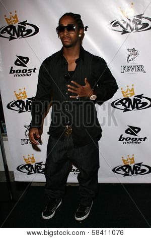 LOS ANGELES - OCTOBER 10: Omarion Grandberry at the birthday party for Nick Cannon and the opening of his flagship store for PNB Nation on October 10, 2006 at PNB Nation Store, Los Angeles, CA.