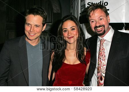 HOLLYWOOD - DECEMBER 07: Scott Wolf, Camille Guaty and Howard Fine at Howard Fine's Ball of Fire December 07, 2006 in Boardners, Hollywood, CA.
