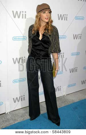 Jennifer Finnigan at the party celebrating the launch of Nintendo's Game Console Wii. Boulevard 3, Los Angeles, California. November 16, 2006.