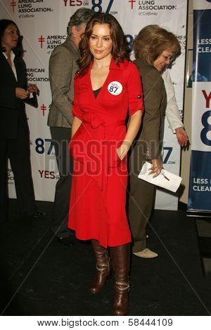Alyssa Milano at a Rally Supporting Proposition 87. United Teachers Los Angeles, Los Angeles, California. November 2, 2006.