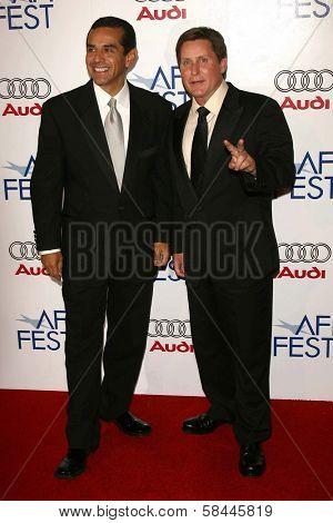Mayor Antonio Villaraigosa and Emilio Estevez at the AFI Fest 2006 Opening Night Premiere of