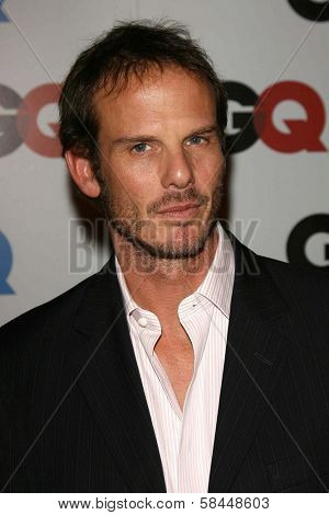 LOS ANGELES - NOVEMBER 29: Peter Berg at the GQ Man of the Year Awards at Sunset Tower Hotel November 29, 2006 in Los Angeles, CA.