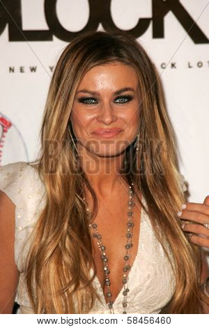 LOS ANGELES - DECEMBER 31: Carmen Electra at the Gridlock New Years Eve 2007 Party on December 31, 2006 at Paramount Studios, Los Angeles, CA.