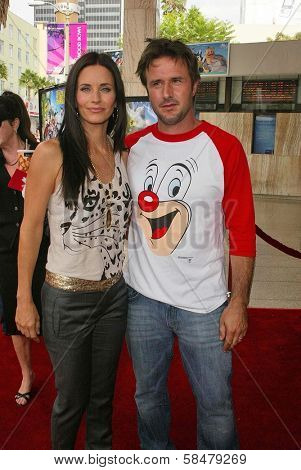 HOLLYWOOD - JULY 30: Courteney Cox Arquette and David Arquette at the World Premiere of