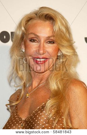 BEVERLY HILLS - JULY 20: Linda Thompson at Jane Magazine's