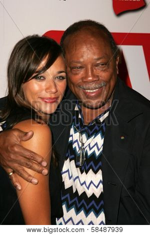 HOLLYWOOD - AUGUST 27: Rashida Jones and Quincy Jones at the TV Guide Emmy After Party August 27, 2006 in Social, Hollywood, CA.