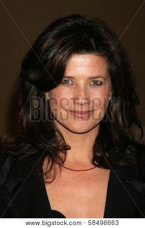 BEVERLY HILLS - NOVEMBER 03: Daphne Zuniga at the