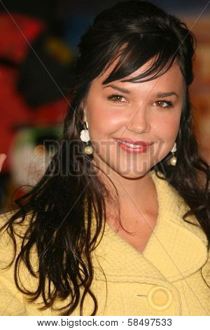 HOLLYWOOD - NOVEMBER 12: Arielle Kebbel at the world premiere of