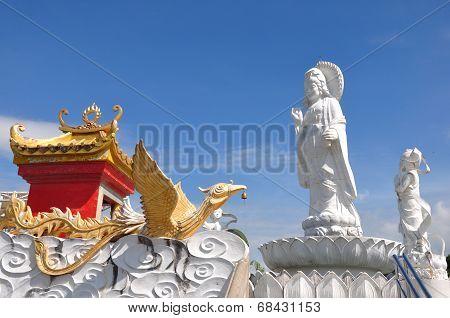 Kuan Yin Image Of Buddha Chinese Art