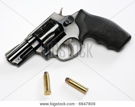 snubnose revolver