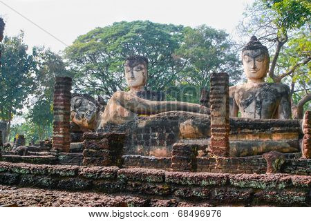 Old Big Ruin  Reclining And Sitting Buddha In Kamphaeng Phet Historical Park,thailand