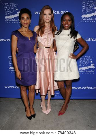 LOS ANGELES - DEC 04:  Kelly McCreary, Darby Stanchfield & Aja Naomi King arrives to the 2014 Beat The Odds on December 04, 2014 in Culver City, CA
