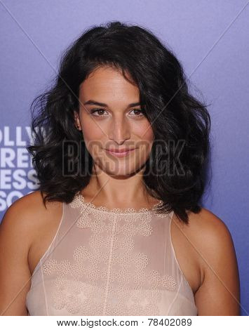 LOS ANGELES - AUG 14:  Jenny Slate arrives to the HFPA Annual Installation Dinner 2014 on August 14, 2014 in Beverly Hills, CA