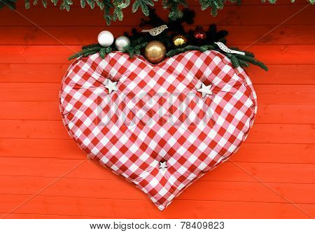 Big Heart Hanging On Red