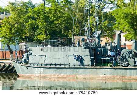 Mine trawler on parking