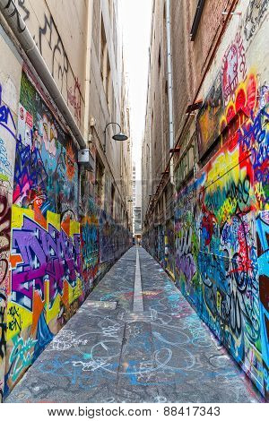 Melbourne graffiti in narrow alley