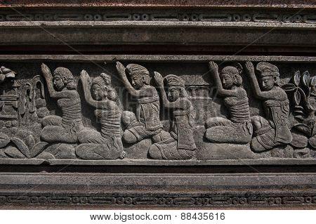 Hindu Worshiping