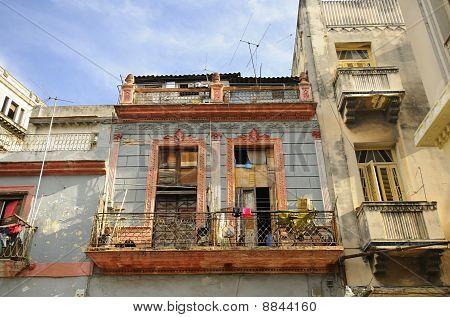 Shabby Havana Facade