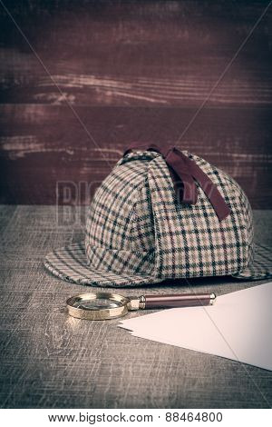 Sherlock Hat And Magnifying Glass