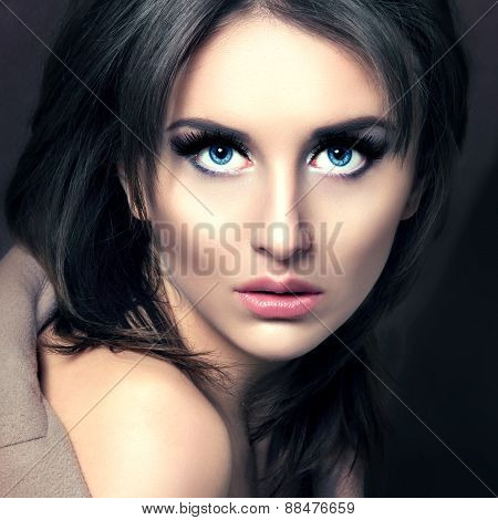 Beauty Fashion Glamorous Model Girl Portrait.