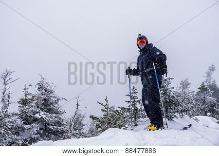 Skier_on_summit