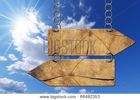 Wooden Directional Sign - Two Arrows With Chain