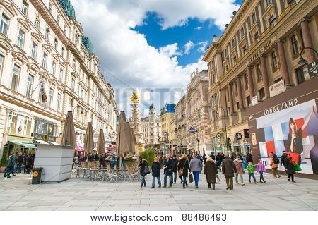 Graben street view and Plague column in Vienna