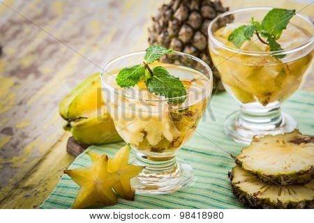 Infused Water Mix Of Starfruit And Pineapple