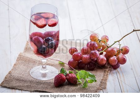 Infused Water Mix Of  Strawberry And Grape