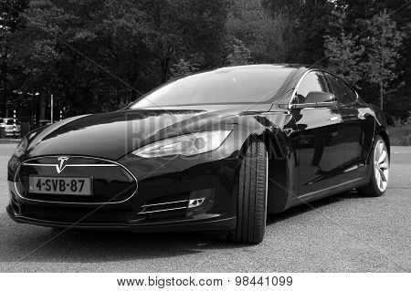 Black Tesla Motors Model S - Front view black white