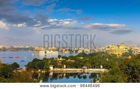 Panoramic View Of Udaipur, Lake Pichola And City Palace - Rajasthan, India
