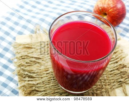 Mixed fruit juice smootie from fruits and vegetables for healthy