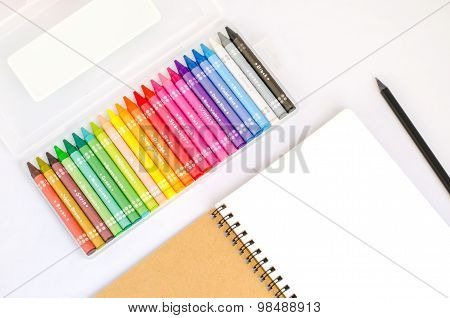 Blank Drawing Book With Black Pencil And Colorful Box Set Of Crayons