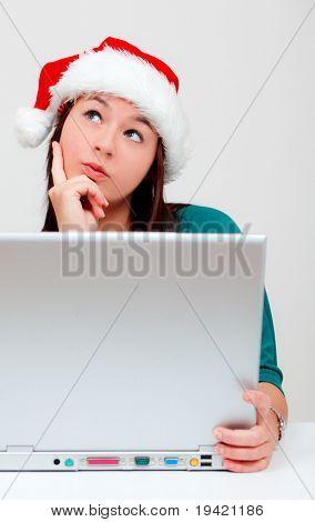 Mulher compra venda on-line na internet lojas presentes e os presentes para o Natal