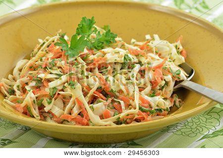 Cremosa ensalada de col
