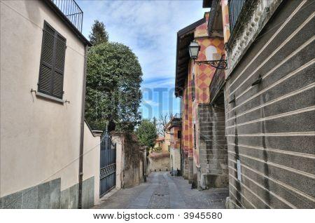 Rivoli Street