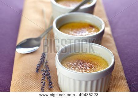 Cr�me Brulee With Lavender