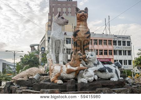 Cats Monument