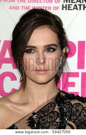 LOS ANGELES - FEB 4:  Zoey Deutch at the